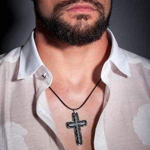 Man wearing Necklace_Carbon_Fiber_Blue_Cross-zakcode